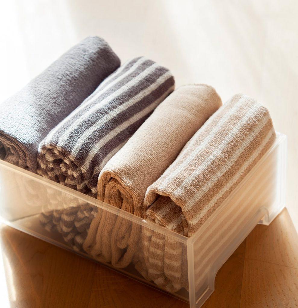 detalle de toallas dobladas segun el metodo de marie kondo 1236x1280 989x1024 - La felicitat en l'ordre segons Marie Kondo